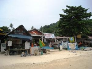 Strandunderhållningen på Coral Bay