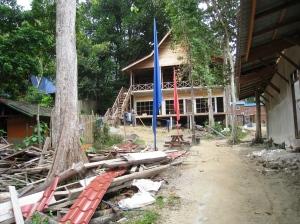 Byggarbetsplats innan stigen mynnade ut på Coral Bay
