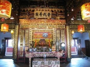 Altaret i mitten